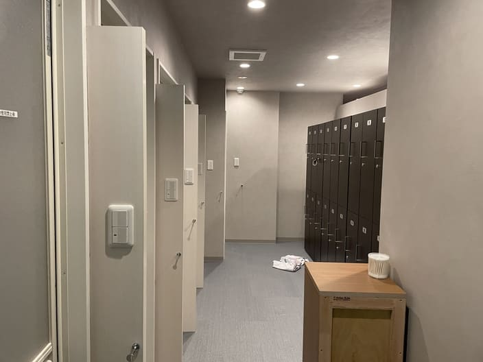 happyoga-lockerroom